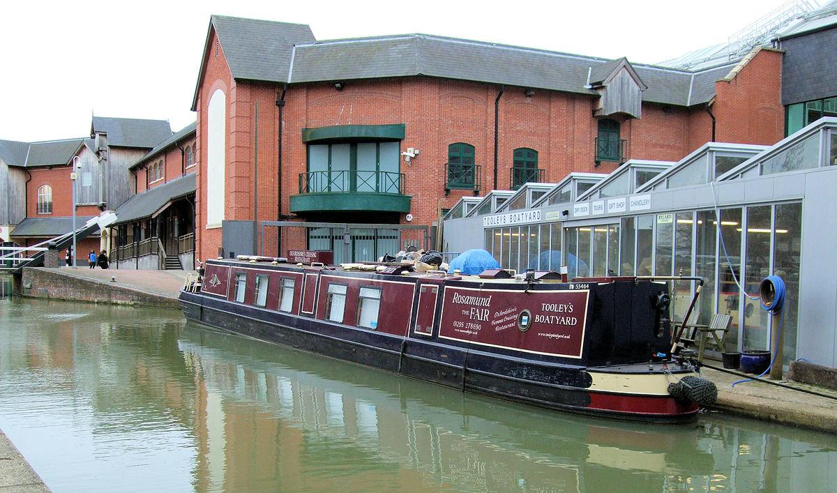 1200px-Tooley's_Boatyard_-_Banbury.jpg