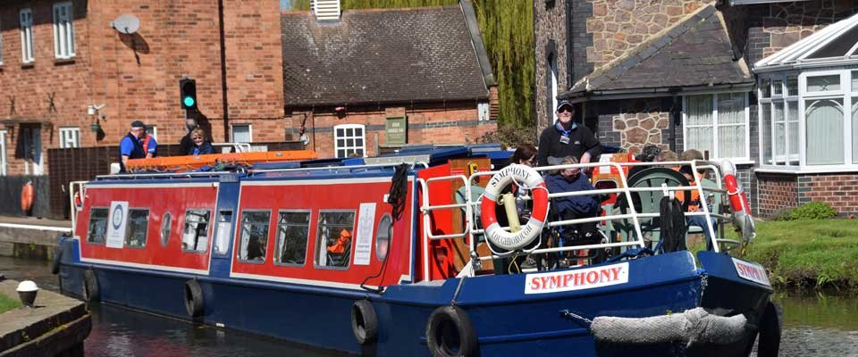 canal-narrowboat.jpg.d60a2be2589819ab456e4fff19df5a3d.jpg