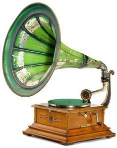 ce7d0baf269f2c4dbefe8195b60d1afc--french-horn-phonograph.jpg