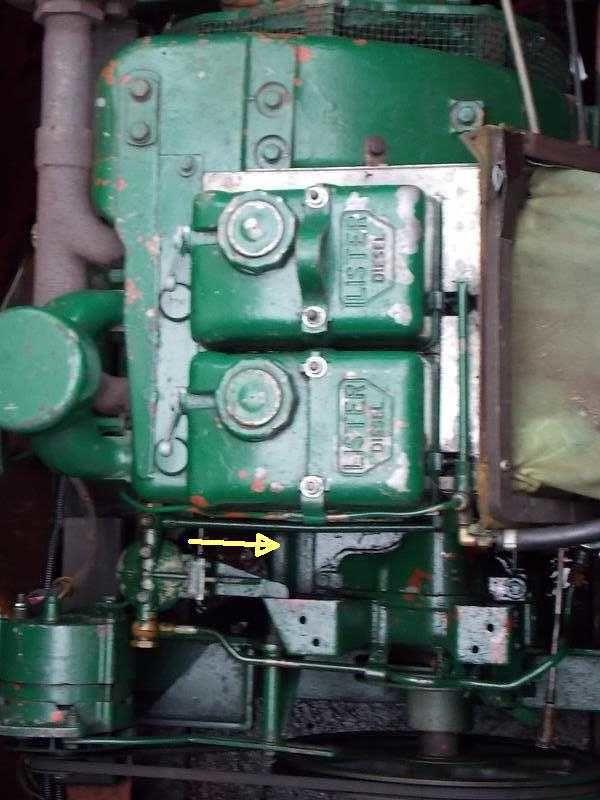 Lister Sr2 oil leak.jpg
